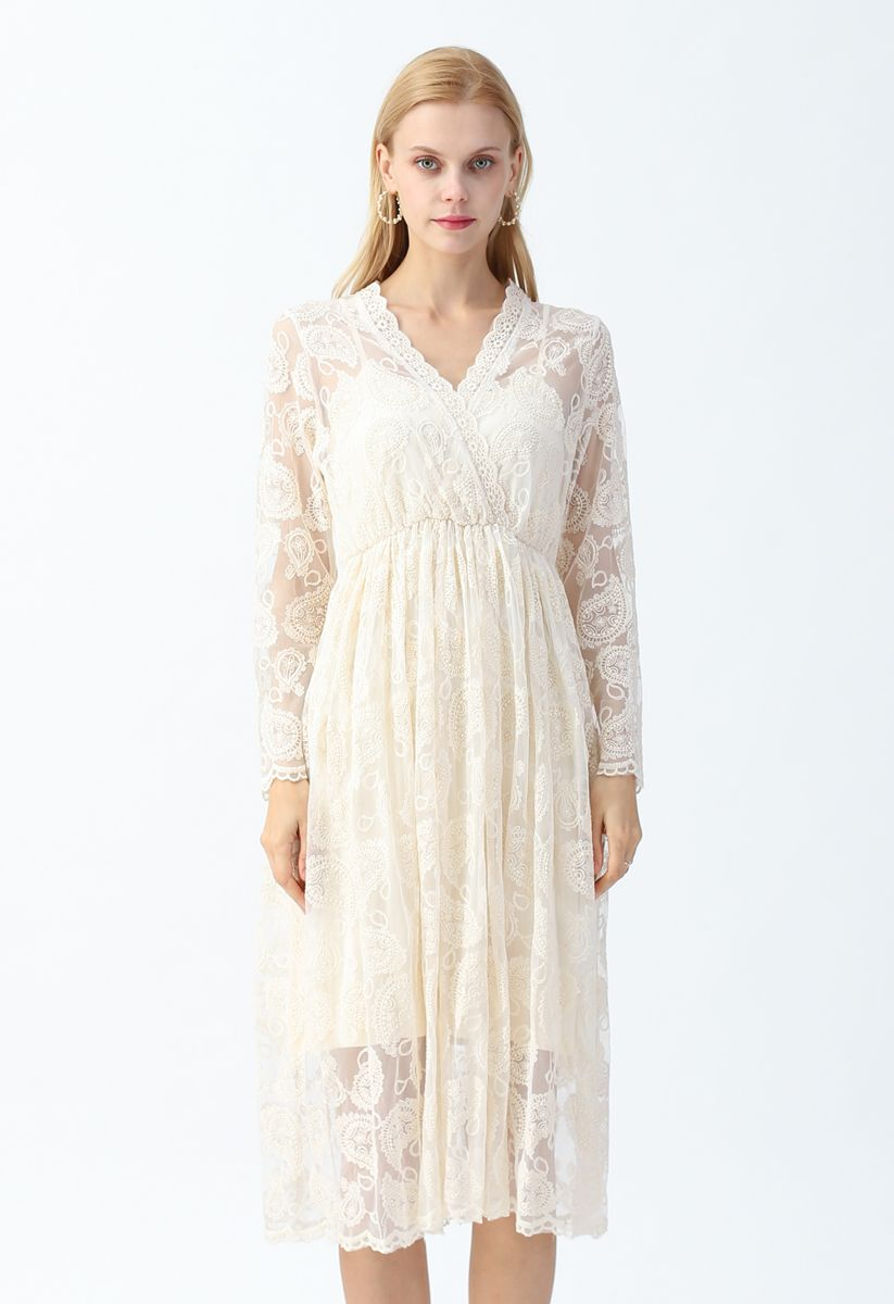Drop-Shaped Embroidery Lacy Wrap Dress in Cream