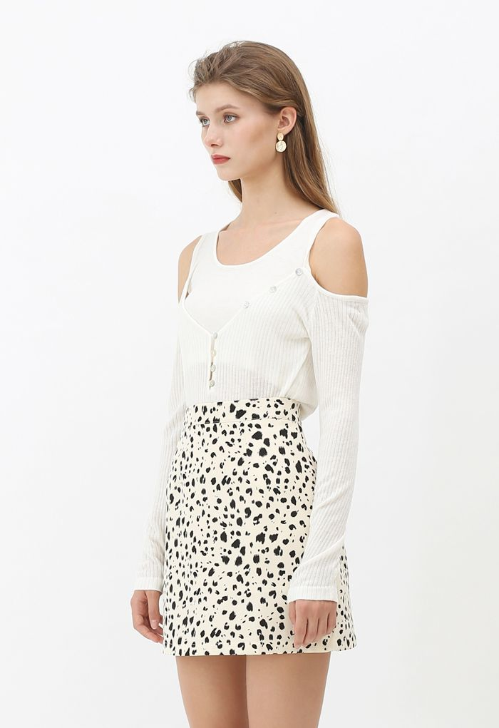 Fake Two-Piece Button Knit Top in White