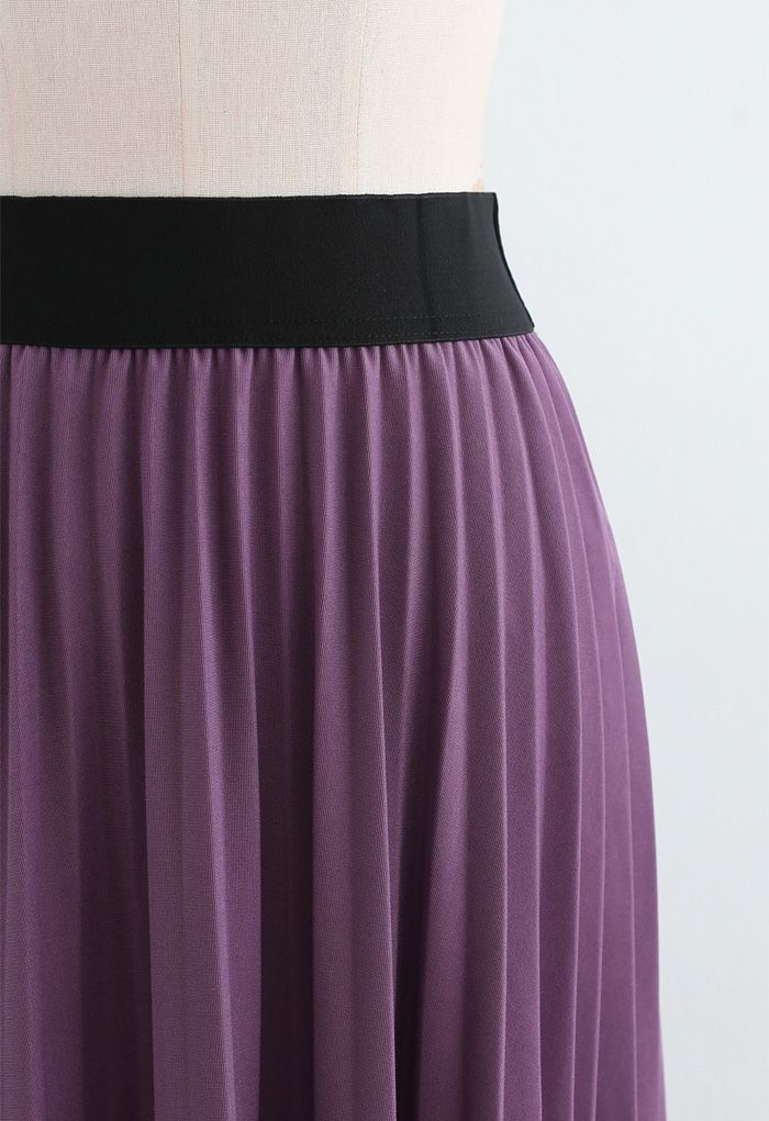 Lace Inserted Pleated Maxi Skirt in Violet