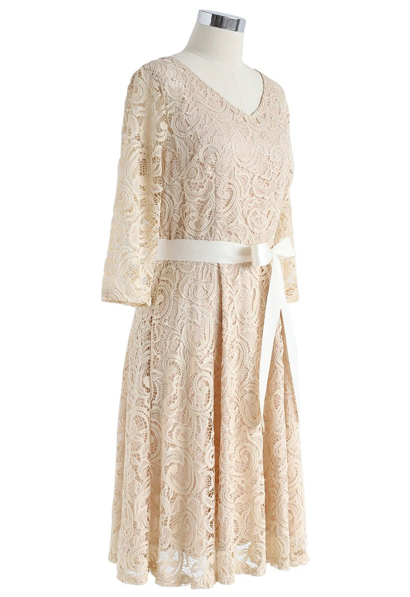 Reminisce Autumn V-Neck Lace Dress in Apricot