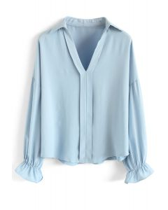Clearly Casual Days V-Neck Shirt in Blue